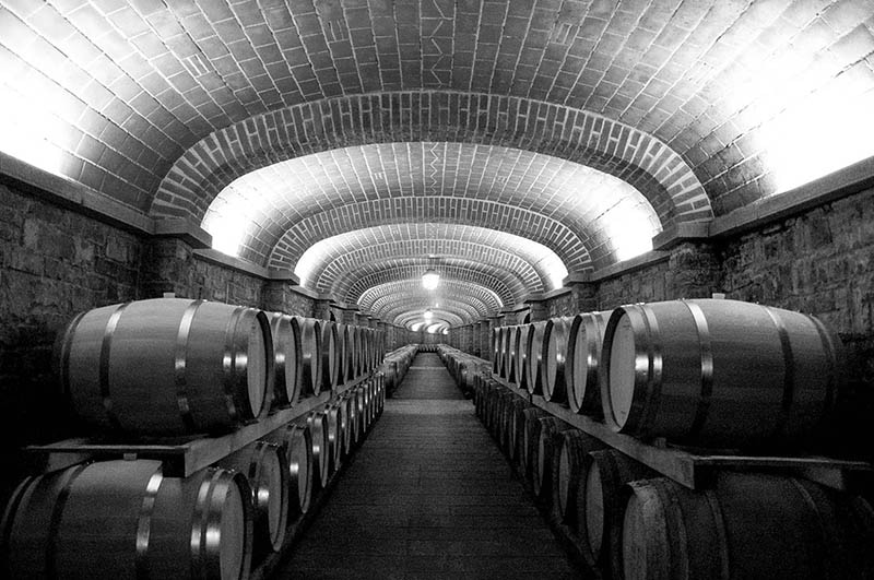 Wine aging International Wine club